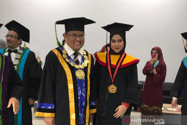 Meraih impian jadi profesional di bidang ilmu hukum