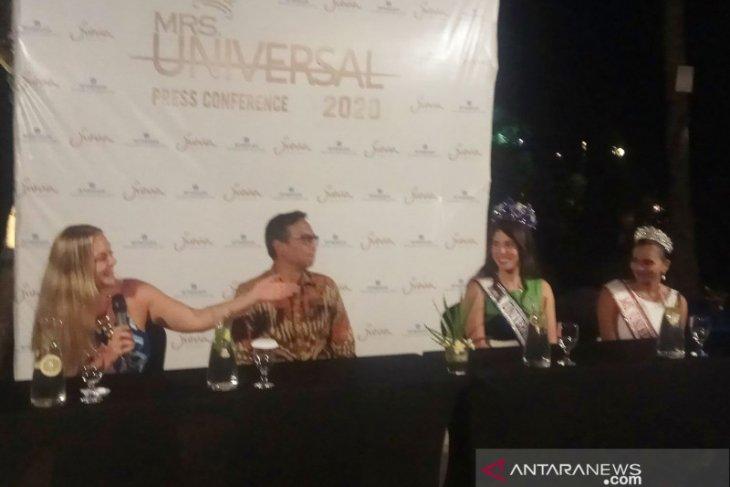 Tiga Mrs Universal  kunjungi Bali