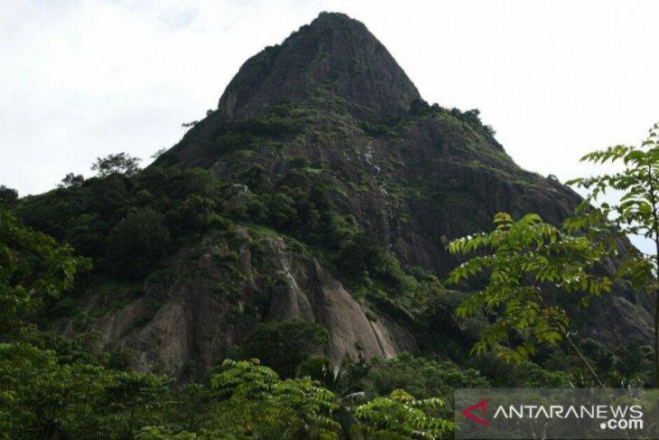AKBP Andi meninggal karena tergelincir dari tebing Gunung Parang