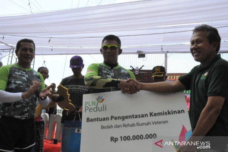 PLN Bali-Kodam Udayana serahkan bantuan kepada veteran pejuang
