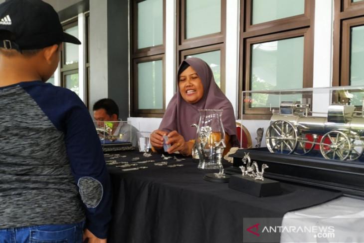 Jepang minati kerajinan rajutan Bangka Belitung