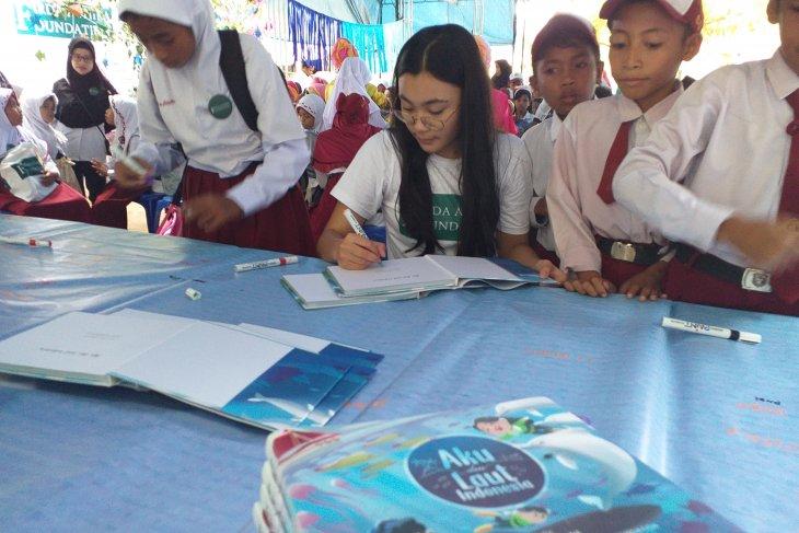 """Lembaga sosial Firda Athira Foundation luncurkan buku """"Aku dan Laut Indonesia"""""""