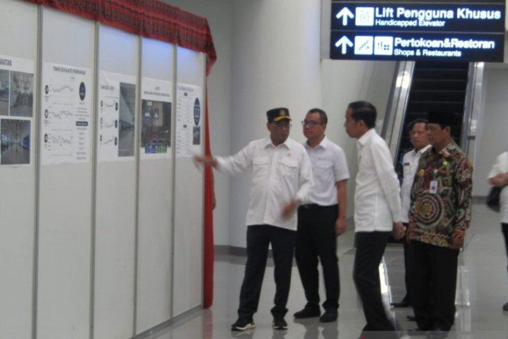 Presiden Jokowi resmikan terminal baru Bandara Syamsudin Noor