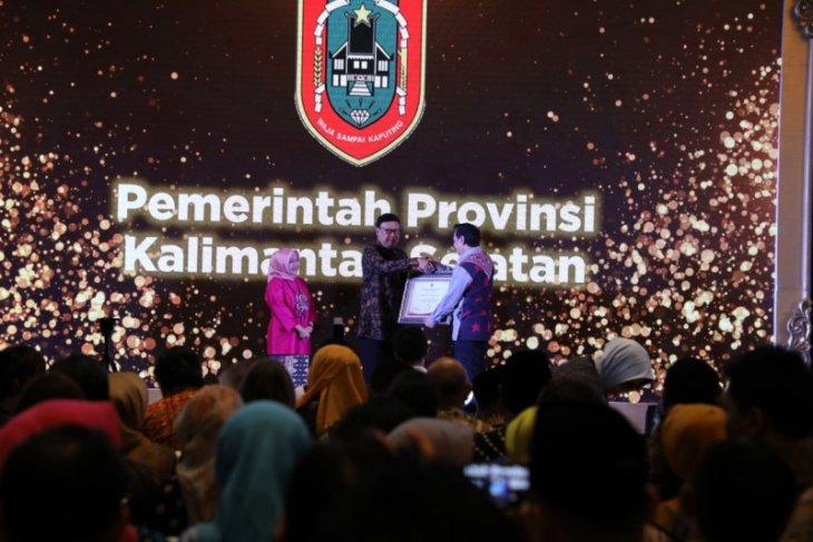 Pelayanan publik Pemprov Kalsel meraih penghargaan