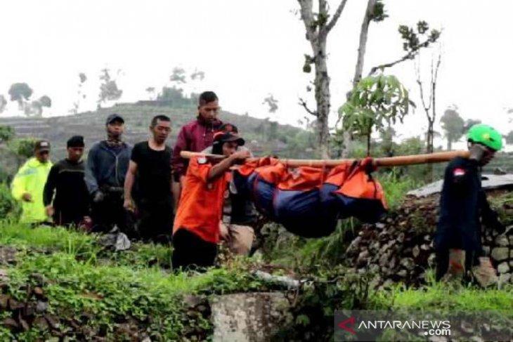 Seorang pendaki Gunung Sumbing tewas tertimpa longsoran tanah