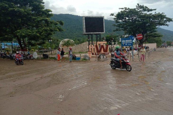 Banjir merusak 46 rumah di Wasior
