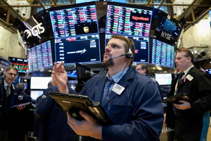 Saham Wall Street ditutup meningkat karena data ekonomi