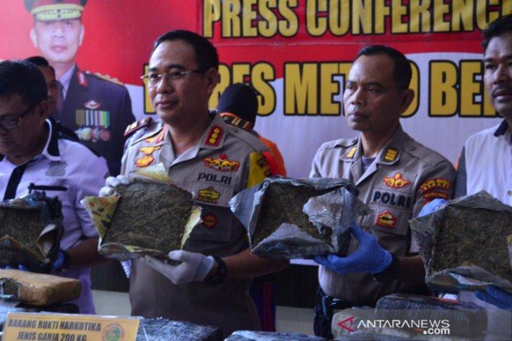 Kurir ganja 200 kilogram untuk pesta Tahun Baru ditangkap polisi