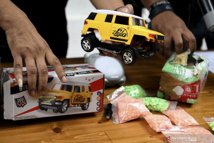 Polda Metro Jaya ungkap peredaran narkoba dengan modus mainan anak