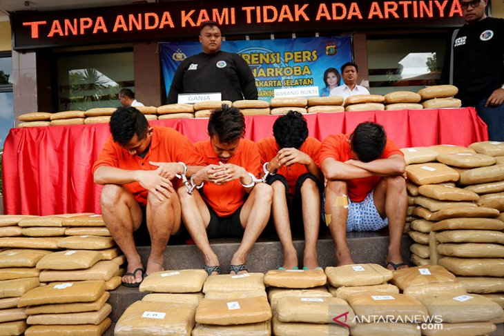 Jakarta police thwart attempt to transport marijuana