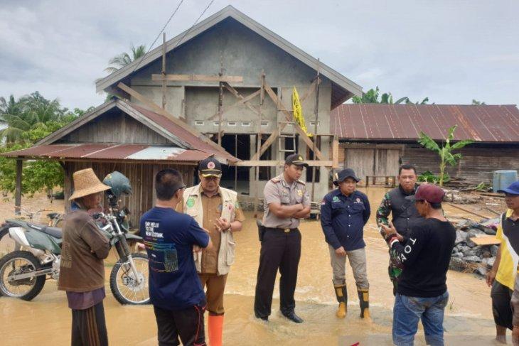 Banjir di Binuang akibat dangkalnya Sungai Raya Belanti