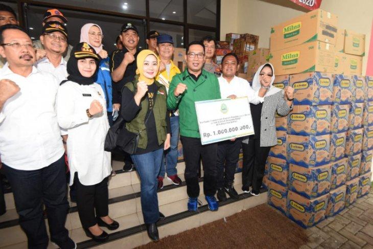 Gubernur Jabar salurkan bantuan untuk Bekasi dan Karawang