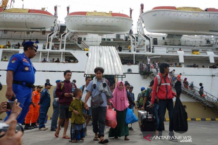 Tim gabungan Denpasar sidak pendatang di Benoa