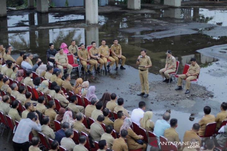 Wali Kota Bogor adakan rapat rutin mingguan di lokasi proyek mangkrak