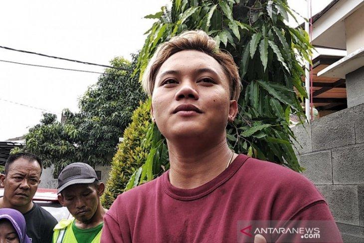 Dugaan kejanggalan kematian ibunya, Rizki Febian lapor polisi