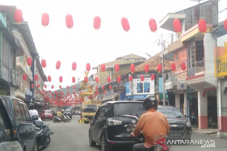 A sea of lanterns bedazzle Singkawang's Chinese New Year celebrations