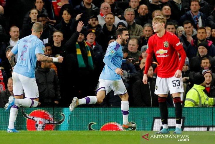 Piala Liga Inggris, Man City pecundangi MU 3-1 di Old Trafford