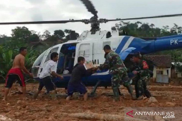 PMI kerahkan helikopter distribusikan bantuan untuk korban bencana di Bogor