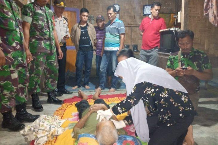 Sesak napasnya tak kunjung sembuh, seorang kakek di Kuala Langkat gantung diri