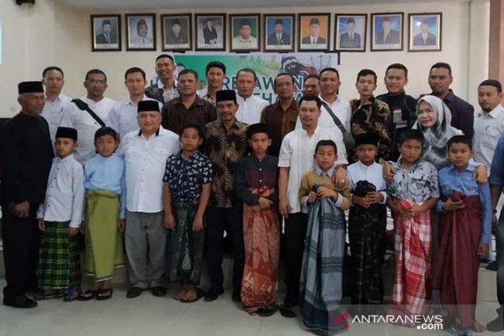 Relawan gelar sunat massal dan launching program sunat gratis door to door