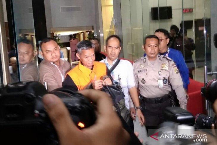 KPK tahan Komisioner KPU Wahyu Setiawan yang sebelumnya ditetapkan tersangka