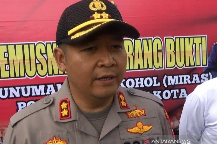 Polisi Sukabumi memburu rekan pelaku pembunuh pengemudi ojek daring