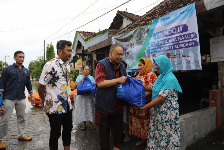 Pelindo III bantu korban banjir di Gresik 2.500 paket sembako