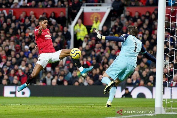 Dwigol Rashford warnai pesta Manchester United ke gawang Norwich