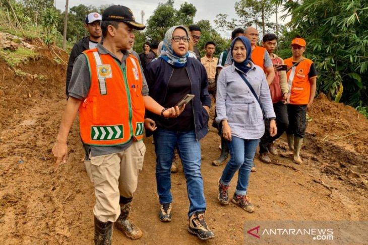 Bupati janjikan pekan ini buka semua akses di Sukajaya Bogor