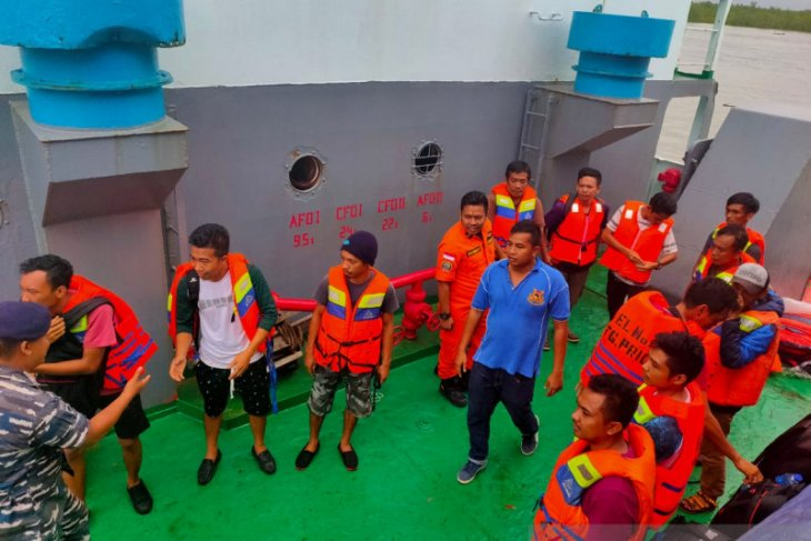Kapal Kargo rute Sunda Kelapa-Pontianak tenggelam di perairan Belitung