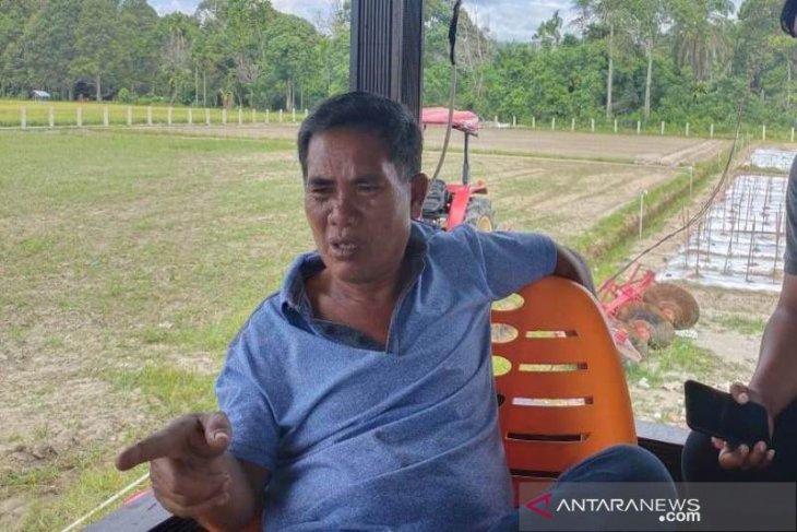 Kuota pupuk subsidi dikurangi, Bupati Akmal racik pupuk hayati
