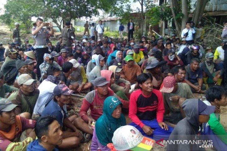 Bupati Bangka Tengah minta penambang timah angkat kaki dari lokasi eks Koba Tin