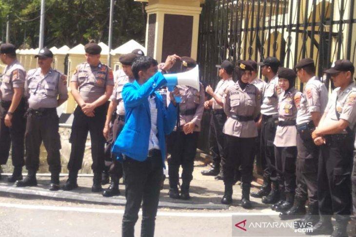 Mahasiswa desak Polda Aceh tuntas pengusutan korupsi beasiswa