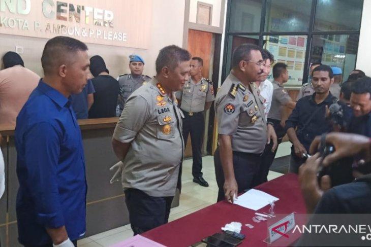 Tiga oknum polisi pesta narkoba bersama wanita di asrama ditangkap