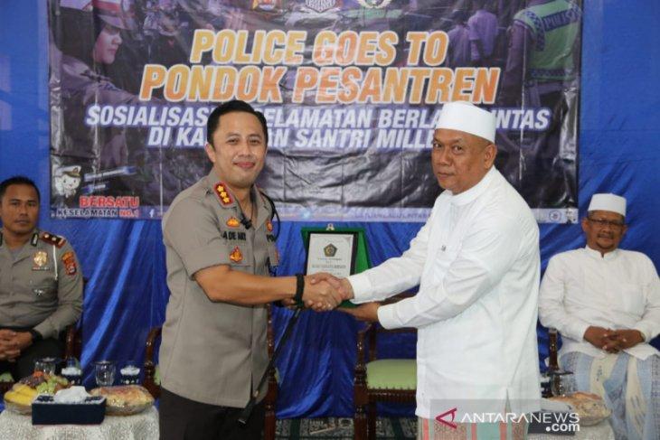 Polresta Tangerang sosialisasi keselamatan  berlalu lintas di pondok pesantren