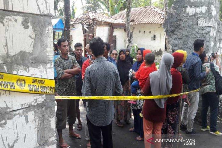 Polisi tangkap Raja dan Permaisuri Keraton Agung Sejagat di Yogyakarta
