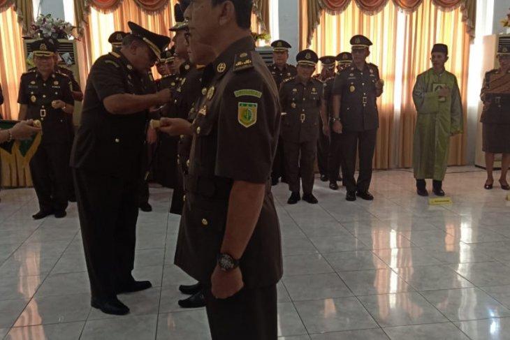 Undang Mugopal dilantik sebagai Wakajati Maluku