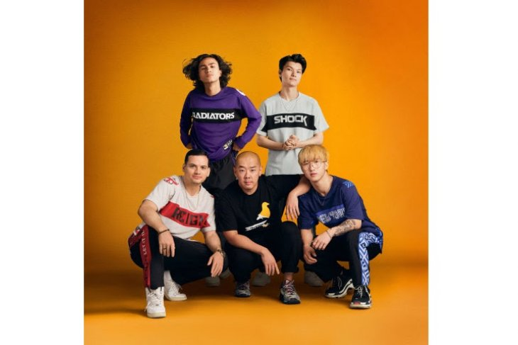 Legendary streetwear designer Jeff Staple teams up with the Overwatch League™ to create first-of-its-kind esports kit