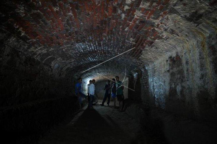 Terowongan peninggalan zaman Belanda