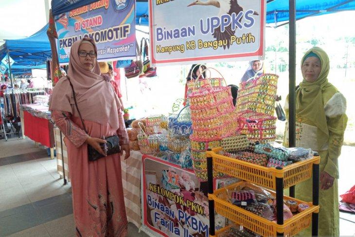 PKBM Farilla Ilmi Padang daur ulang sampah jadi produk bernilai jual