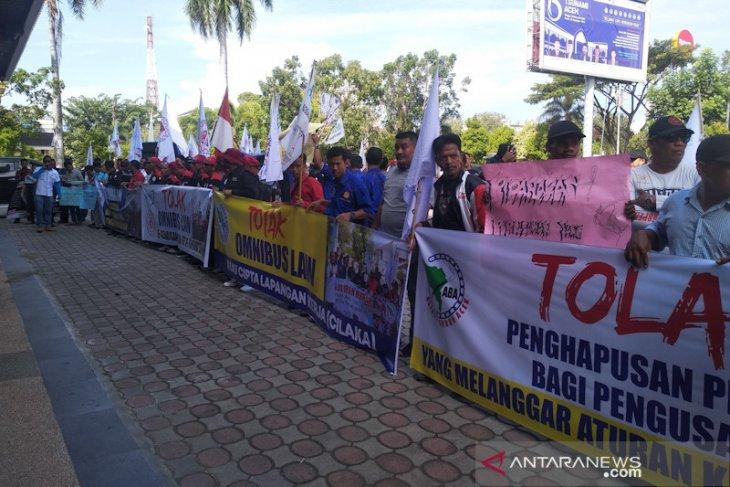 Buruh Aceh desak Gubernur terbitkan turunan Qanun Ketenagakerjaan