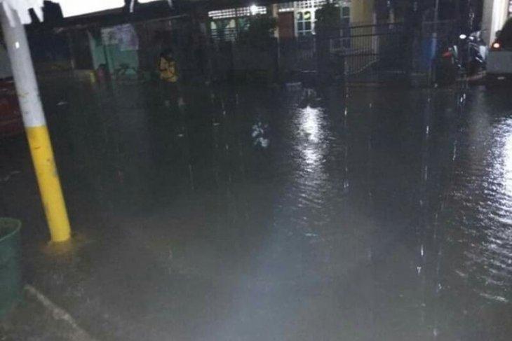 Banjir landa wilayah Polman
