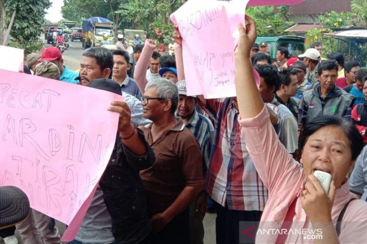 Ratusan juru parkir datangi kantor wali kota Bengkulu