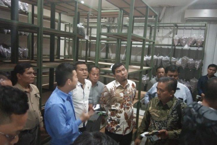 Komisi II kunjungi pabrik kecamba sawit bersertifikat dan jajaki kerja sama