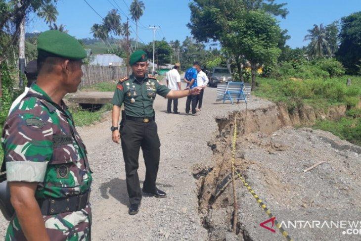 Abrasi sungai diduga penyebab lintas Sulawesi Buol-Gorontalo Utara ambles