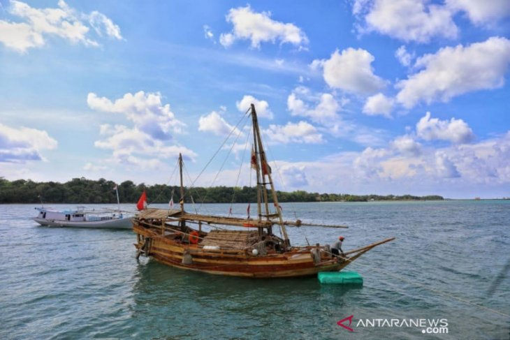 Saumlaki titik lepas ekspedisi perahu Padewakang nenuju Australia