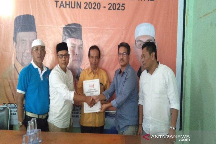 Balon Bupati Madina, M. Sofwat kembalikan berkas ke Hanura