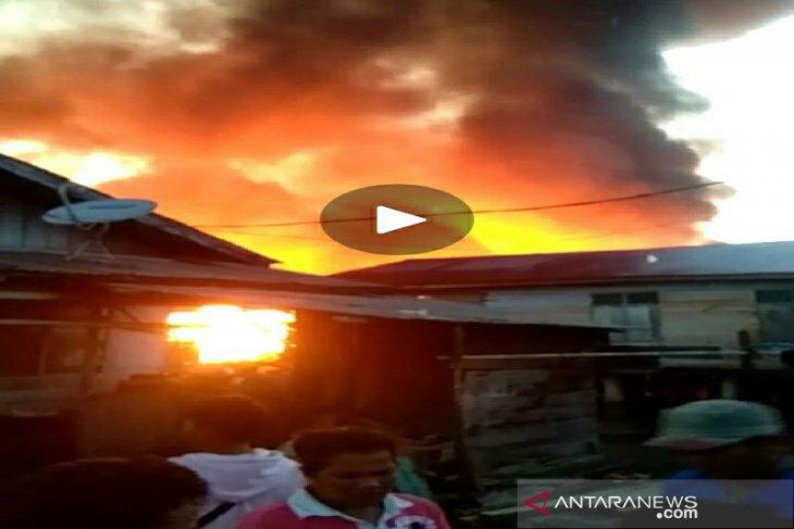 Kebakaran hebat melanda Pasir Bidang perbatasan Sibolga-Tapteng