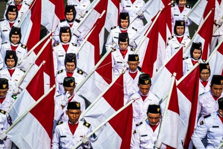 Kirab kebangsaan Merah Putih