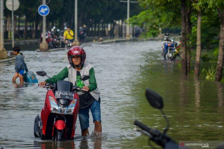 Banjirpun terjang Komplek Adipura Gedebage Kota Bandung